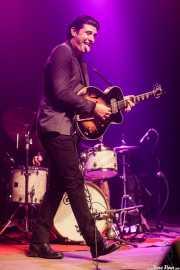 Roi Fontoira, cantante y guitarrista de The Limboos (Kafe Antzokia, Bilbao, 2017)