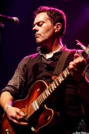 Serge Bielanko, guitarrista, cantante y armonicista de Marah (Kafe Antzokia, Bilbao, 2017)