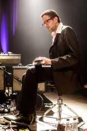 "Mike ""Slo-mo"" Brenner, Steel guitar, bajista y guitarrista de Marah (Kafe Antzokia, Bilbao, 2017)"