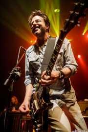 "Matt ""Pistol"" Stoessel -pedal steel guitar- y Johnny Hickman -guitarra, voz y armónica- de Cracker (Kafe Antzokia, Bilbao, 2017)"