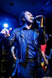 Kurt Baker, cantante de Bullet Proof Lovers (Kafe Antzokia, Bilbao, 2017)