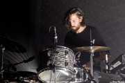 John Jeffrey, baterista en gira de Moon Duo (Kafe Antzokia, Bilbao, 2017)