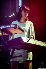 Teclista de Carla Morrison (Bilbao BBK Live, Bilbao, 2017)