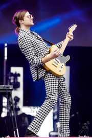 A/J Jackson, cantante, guitarrista y pianista de Saint Motel (Bilbao BBK Live, Bilbao, 2017)