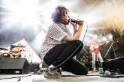 Diego García -voz y guitarra- y Álex de Lucas -bajo- de The Parrots (Bilbao BBK Live, Bilbao, 2017)