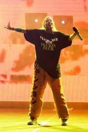 YoLandi Visser -voz- y God -DJ- de Die Antwoord