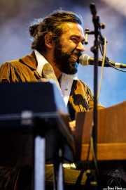Julián Maeso, cantante, organista y guitarrista (Mundaka Festival, Mundaka, 2017)