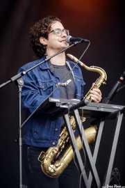 Patrick Sargent, saxofonista, teclista y cantante de The Rad Trads (Mundaka Festival, Mundaka, 2017)