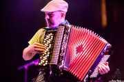 "Gregorio Esteban ""Goyo"", acordeonista de The Fatty Farmers (Aste Nagusia - Plaza Nueva, Bilbao, 2017)"