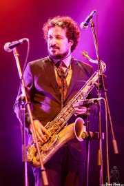 Alex Fernández, saxofonista y flautista de Freedonia (Aste Nagusia - Plaza Nueva, Bilbao, 2017)
