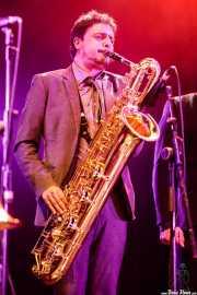 David Pérez, saxofonista de Freedonia (Aste Nagusia - Plaza Nueva, Bilbao, 2017)