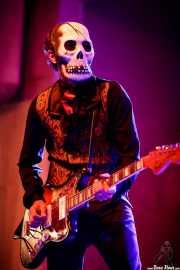 El Canibal, guitarrista de Los Tiki Phantoms (Festivalle Tobalina, Quintana Martín Galíndez, 2017)