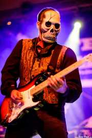 El Dorado, guitarrista de Los Tiki Phantoms (Festivalle Tobalina, Quintana Martín Galíndez, 2017)