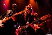 El Canibal -guitarra-, El Bravo -batería-, El Kahuna -bajo- y El Beat -guitarra- de Los Tiki Phantoms (Bilborock, Bilbao, 2007)