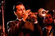 Cosimo Pignataro, trompetista de Sugar Daddy & The Cereal Killers (Festivalle Tobalina, Quintana Martín Galíndez, 2017)
