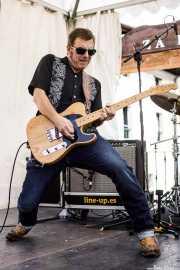 Hendrik Röver, cantante, guitarrista y armonicista de Hendrik Röver & Los Míticos GT's (Festivalle Tobalina, Quintana Martín Galíndez, 2017)
