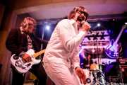 Eneko Etxeandia -guitarra-, Txema Babón -voz-, Urko Roa -batería- de Lie Detectors (Festivalle Tobalina, Quintana Martín Galíndez, 2017)