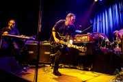 Christophj Hahn -lap steel guitar-, Michael Gira -voz y guitarra- y Phil Puleo -batería- de Swans (Kafe Antzokia, Bilbao, 2017)