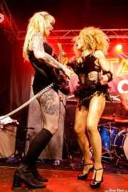 Natalie Sweet, guitarrista de The Control Freaks y Go-Go girl (Funtastic Dracula Carnival, Benidorm, 2017)
