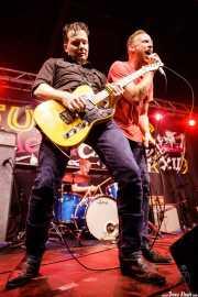 John Schooley -guitarra-, Jeremiah Kidwell -voz- y Mark Walters -batería- de The Revelators (Funtastic Dracula Carnival, Benidorm, 2017)