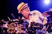 Dave Hartman, baterista de Southern Culture on the Skids (Funtastic Dracula Carnival, Benidorm, 2017)