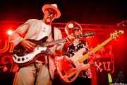 Rick Miller -voz y guitarra- y Mary Huff -voz y bajo- de  Southern Culture on the Skids (Funtastic Dracula Carnival, Benidorm, 2017)