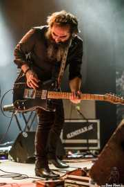 Lionel Limiñana, guitarrista de The Limiñanas (Kafe Antzokia, Bilbao, 2017)