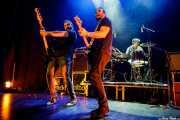 """Txemi Gándara -bajo-, Guillermo Gutiérrez """"William"""" -voz y guitarra- y Alberto Chamorro -batería- de Los Brazos (Bilborock, Bilbao, 2017)"""