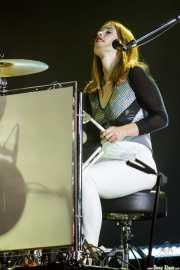 Anna Prior, baterista de Metronomy (BIME festival, Barakaldo, 2017)