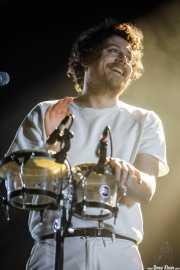 Joseph Mount, cantante, guitarrista y percusionista de Metronomy (BIME festival, Barakaldo, 2017)