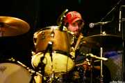 Buddy Weeks, baterista  de Sallie Ford (Sala Stage Live (Back&Stage), Bilbao, 2017)