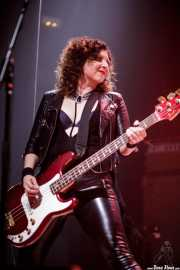 Bonnie Buitrago, bajista de Nashville Pussy (Kafe Antzokia, Bilbao, 2017)