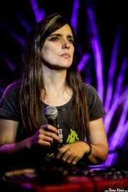 Elena Setién, cantante, teclista y violinista (Kafe Antzokia, Bilbao, 2017)