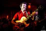 """Juli El Lento-batería-, Diego García """"El Twanguero"""" -voz y guitarra- y David Salvador -bajo- (Satélite T, Bilbao, 2018)"""