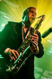 Rob Lind, saxofonista, cantante y armonicista de The Sonics (Sala Stage Live (Back&Stage), Bilbao, 2018)