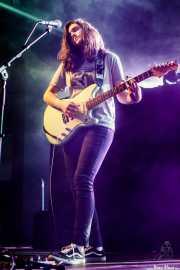 Barezi Caballero, cantante y guitarrista de Cecilia Payne (Palacio Euskaduna Jauregia, Bilbao, 2018)