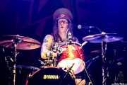 Niclas Svensson, baterista de The Baboon Show (Kafe Antzokia, Bilbao, 2018)