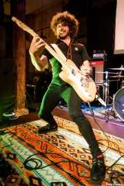 Gastón, cantante y guitarrista de Hiroshima (Hika Ateneo, Bilbao, 2018)