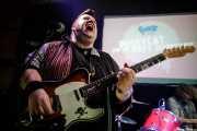 Dirty Jake -guitarra- y guitarra- y Filfy Antz -batería- de Pussycat and the Dirty Johnsons (Hika Ateneo, Bilbao, 2018)