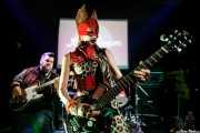 Dirty Jake -guitarra- y Puss Johnson -voz y guitarra- de Pussycat and the Dirty Johnsons (Hika Ateneo, Bilbao, 2018)