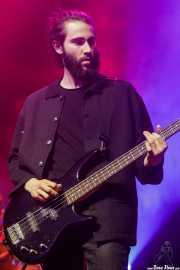 Iker Lasa, bajista y guitarrista de TOC (Kafe Antzokia, Bilbao, 2018)