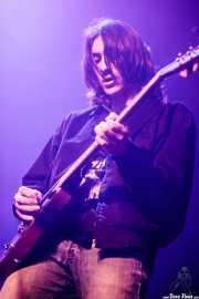 Aitor Etxebarria guitarrista y bajista de TOC (Kafe Antzokia, Bilbao, 2018)