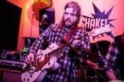 Hoss Thompson, cantante y guitarrista  de Thirteen Stars (Shake!, Bilbao, 2018)