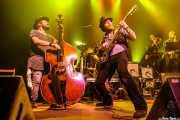 """Gabriel """"Brown"""" León -bajo y contrabajo-, James Room -voz y guitarra-, Lander Otaola -trombón- y Endika Guerrero -saxo-  de James Room & Weird Antiqua (Kafe Antzokia, Bilbao, 2018)"""