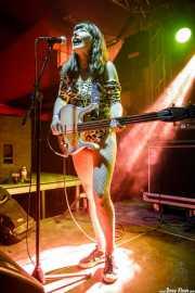 María Manoli, bajista de Las Jennys de Arroyoculebro (FuzzVille - Magic Robin Hood Resort, Alfaz del Pi, 2018)