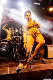 Pili -voz- y Eva -batería- de Las Jennys de Arroyoculebro (FuzzVille - Magic Robin Hood Resort, Alfaz del Pi, 2018)