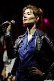 Ana Beltrán, cantante de Heatwaves (FuzzVille - Magic Robin Hood Resort, Alfaz del Pi, 2018)