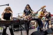 Marta Ruiz -órgano y teclado-, Javi Vacas -bajo-, Miguel Pardo -vaoz- y Fernado Pardo -guitarra- de Sex Museum (FuzzVille - Magic Robin Hood Resort, Alfaz del Pi, 2018)