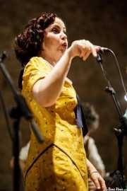 Paula Padilla, cantante y ukelele de O Sister! (Festival de Jazz de Sigüenza - Auditorio El Pósito, Sigüenza, 2018)