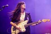 Lucía Palomar, cantante y guitarrista de Cecilia Payne (MAZ Basauri - Social Antzokia, Basauri, 2018)